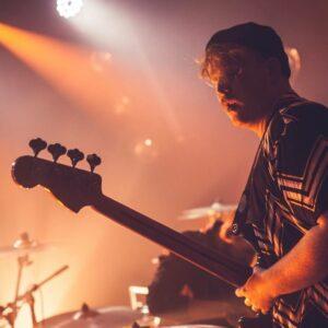 Professeur de basse Lille Maxime Mouquet musicalille musicadistance musique à distance cours de basse en ligne